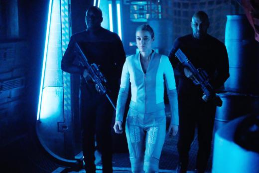 Dark Matter Season 3 Episode 8 Review: Hot Chocolate - TV ...