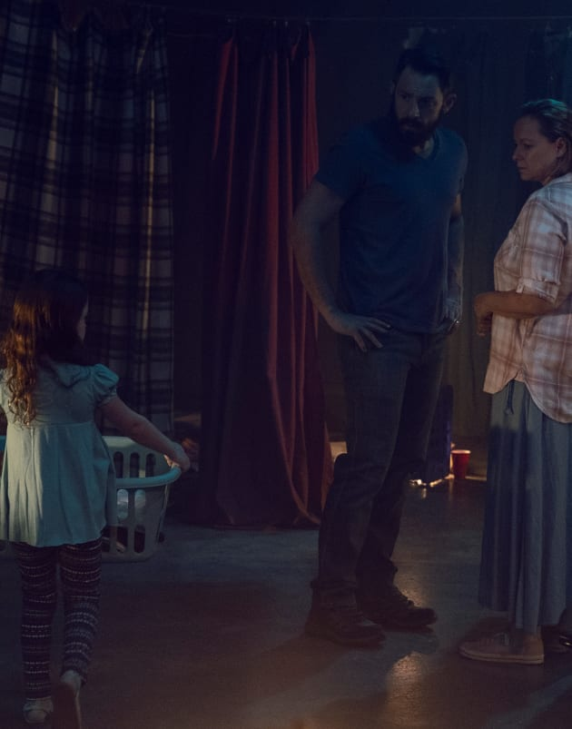 A Glimpse Into The Past - The Walking Dead Season 9 Episode 10