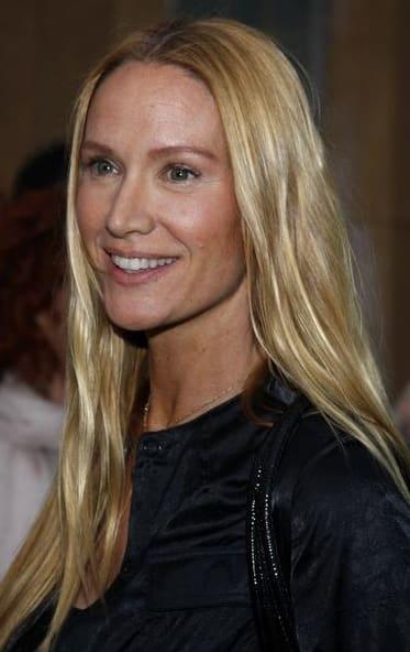Kelly Lynch