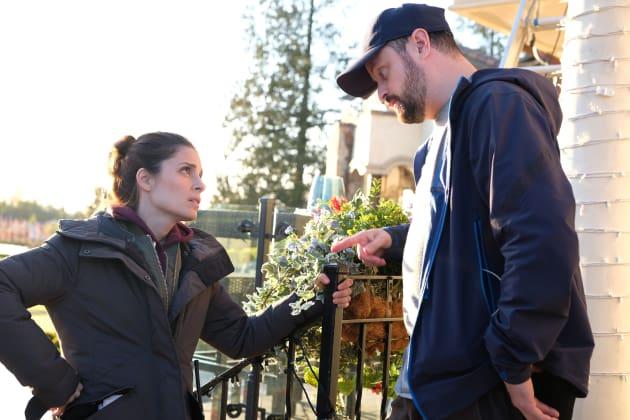Rachel confirms her friendship with Director Dan - UnREAL Season 3 Episode 9