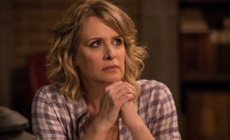 Mary looks concerned - Supernatural Season 12 Episode 23