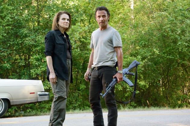 Meeting of leaders - The Walking Dead Season 6 Episode 1