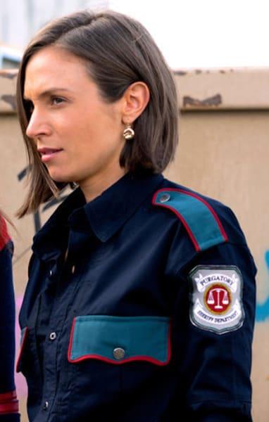 Waverly sheriff uniform - Wynonna Earp Season 4 Episode 8