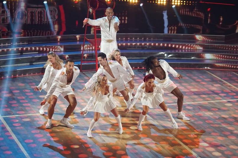 Kareem Abdul Jabbar And Group Dancing With The Stars Athletes Season 26 Episode 2 Tv Fanatic