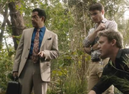Watch The Glades Season 4 Episode 5 Online