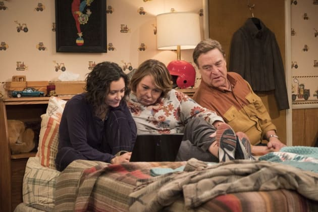 Social Media - Roseanne Season 10 Episode 3