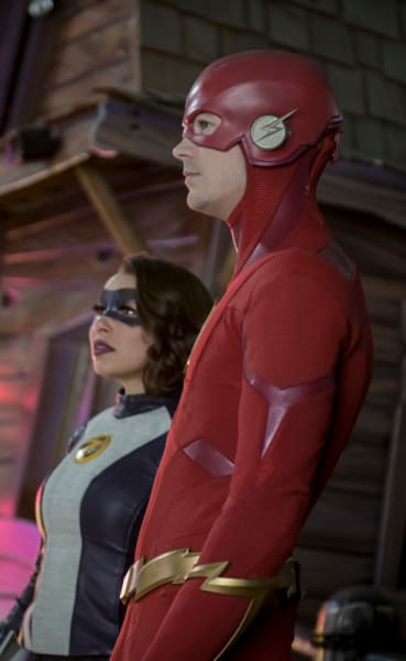 Flash and XS Take It All In - The Flash Season 5 Episode 17