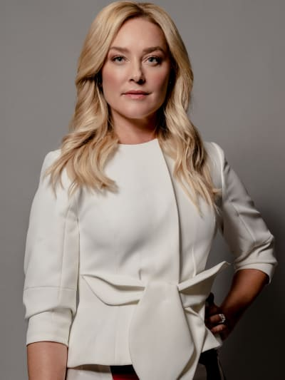 Elisabeth Röhm from Family Pictures