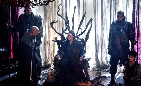 Commander on the Throne - The 100 Season 3 Episode 7