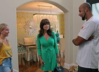 Watch Kendra on Top Season 4 Episode 11 Online