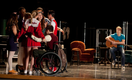 "Glee Photo Preview: ""Shooting Star"""