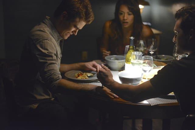 Meal Time - The Vampire Diaries Season 6 Episode 2