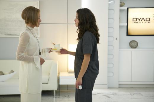 Rachel and Sarah Face Off - Orphan Black Season 5 Episode 2