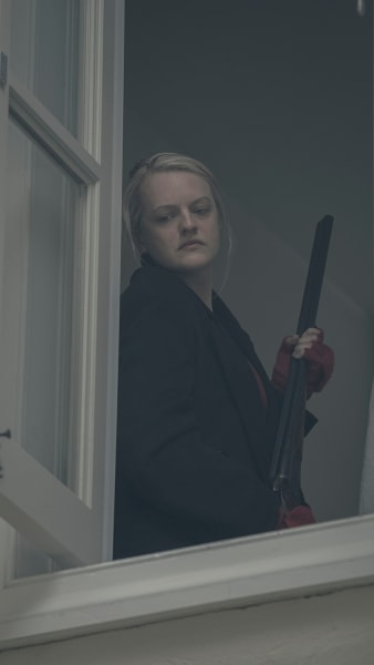 Prepared to Shoot - The Handmaid's Tale Season 2 Episode 11