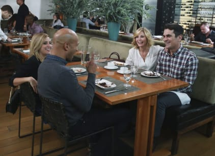 Watch Modern Family Season 7 Episode 10 Online