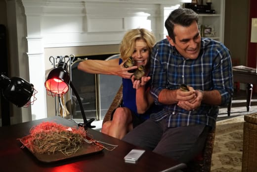 The Duckling Hatch - Modern Family