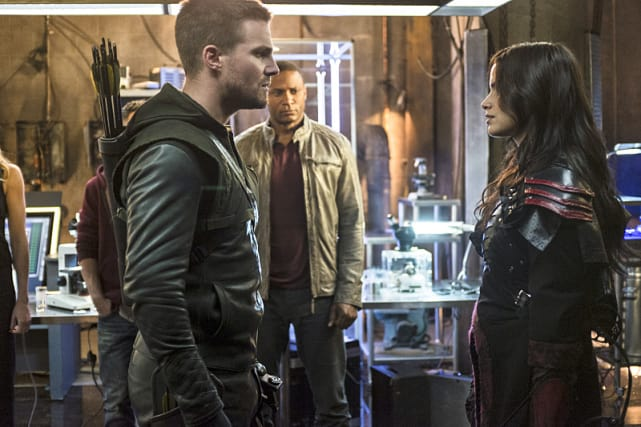 Facing Off - Arrow Season 3 Episode 4