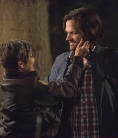 Sam And Jody Reunite - Supernatural
