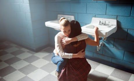 BFF Support - Riverdale Season 1 Episode 9