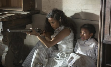 Maeve and Child - Westworld Season 1 Episode 2