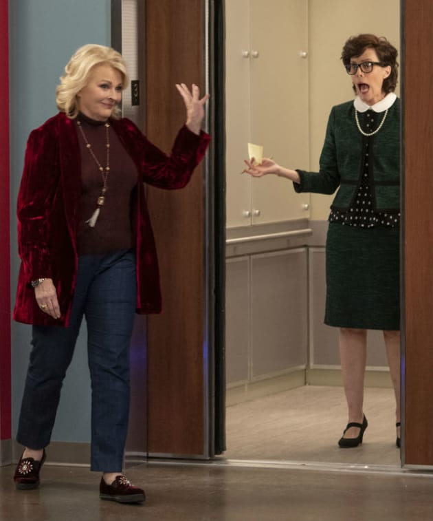 Murphy Brown Season 11 Episode 8 Review: The Coma and the Oxford Comma