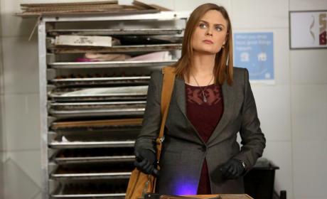 Brennan Looks Perplexed - Bones Season 10 Episode 13