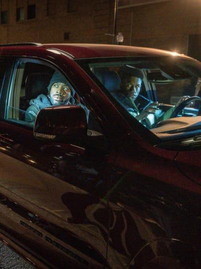 Undercover - Tall - Chicago PD Season 6 Episode 13