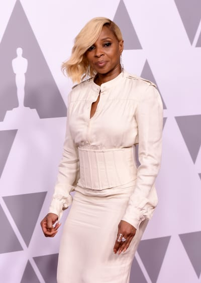 Mary J. Blige Smiles