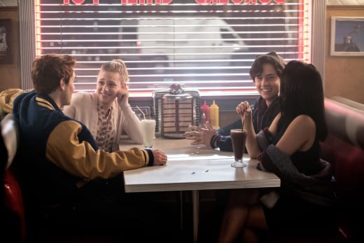 The Gang Together - Riverdale Season 1 Episode 2