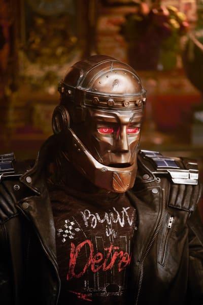 Cliff Steele / Robotman - Titans Season 1 Episode 4