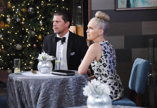 Eric and Jennifer Celebrate NYE - Days of Our Lives