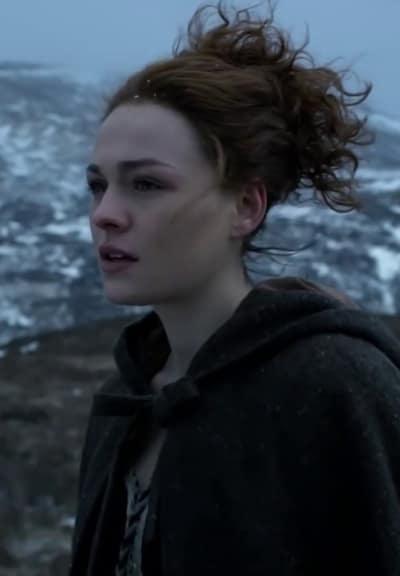 Brianna in Scotland - Tall - Outlander Season 4 Episode 7