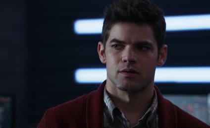 Supergirl: Jeremy Jordan Returning for Season 5!