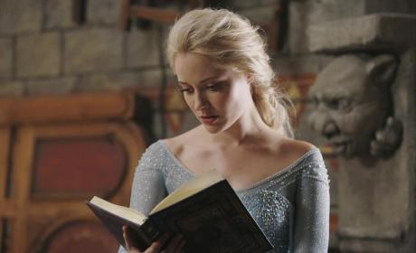 Secrets From Her Past - Once Upon a Time Season 4 Episode 1