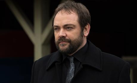 Crowley doesn't seem thrilled - Supernatural Season 12 Episode 8