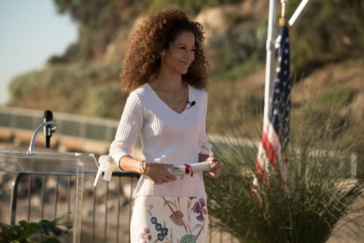 Lena Speaks on Graduation Day - The Fosters Season 5 Episode 19