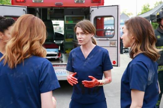 Bloody Hands - Grey's Anatomy Season 11 Episode 23