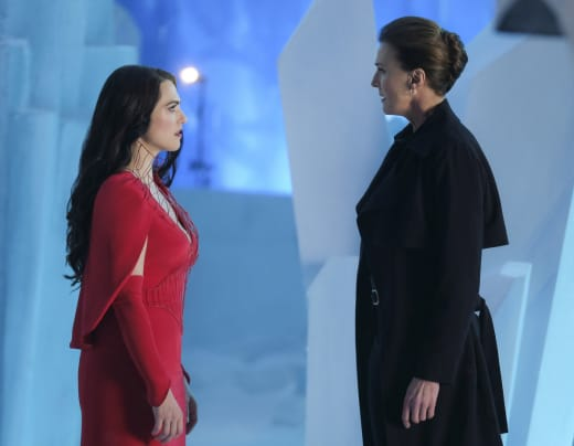 Mom and Daughter - Supergirl Season 2 Episode 21