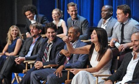 Happy Endings Cast Photo