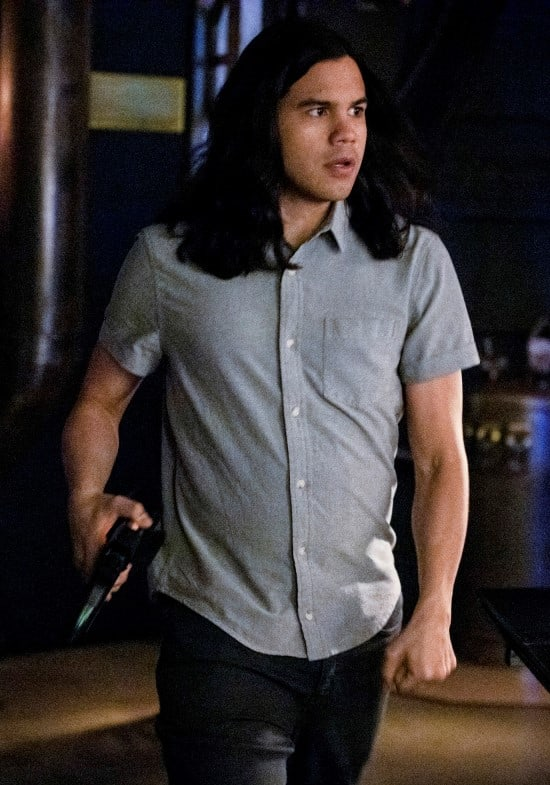 Cisco Has The Key - The Flash Season 5 Episode 22