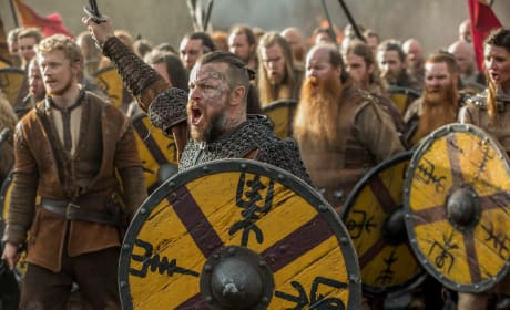 Harald Charges - Vikings Season 5 Episode 15