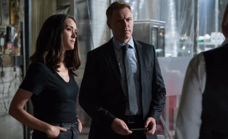 Questioning Red - The Blacklist Season 6 Episode 1