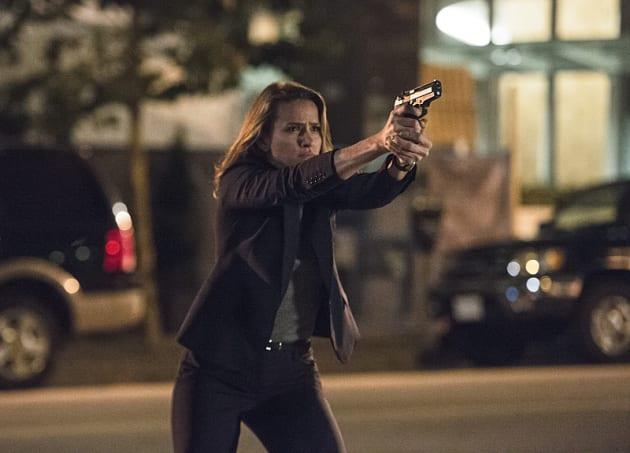 Patty to the Rescue - The Flash Season 2 Episode 4 - TV Fanatic