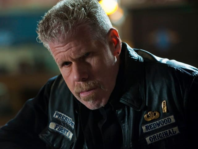 Ron Perlman (Clay Morrow)