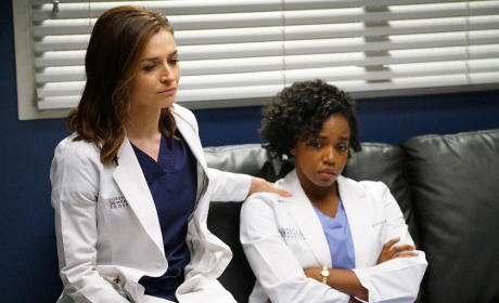 Amelia and Stephanie Look Defeated - Grey's Anatomy Season 12 Episode 4