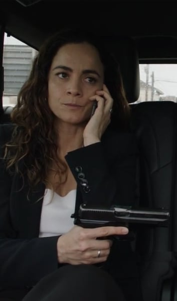 Teresa Takes Control - Queen of the South Season 4 Episode 2