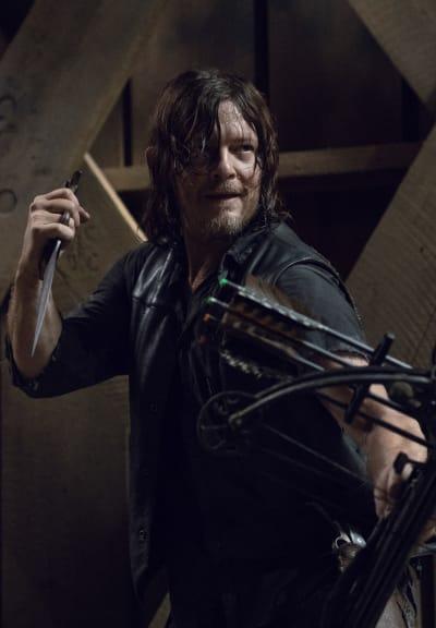 A New Threat - The Walking Dead Season 9 Episode 9