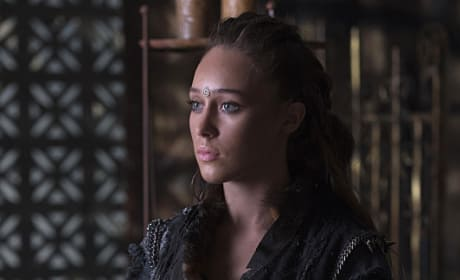 Calm Lexa - The 100 Season 3 Episode 3