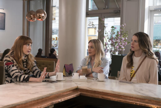Odd Woman Out - Younger Season 4 Episode 1