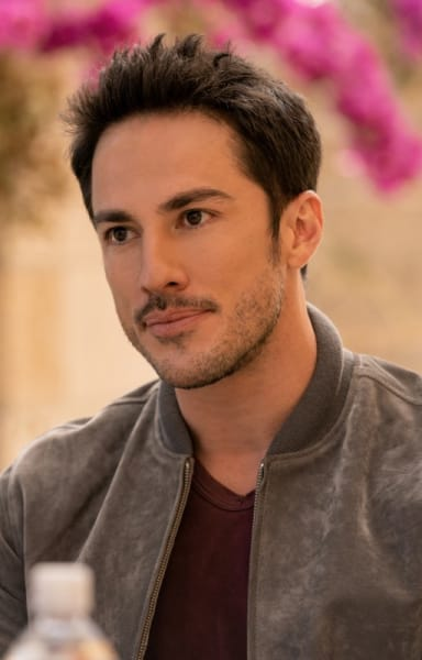 Kyle In LA - Roswell, New Mexico Season 3 Episode 1